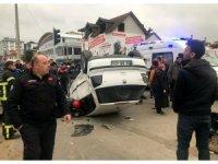 Otomobil ile pikap çarpıştı: 1 ağır yaralı