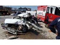 3 aracın karıştığı kazada can pazarı: 1'i ağır 2 yaralı
