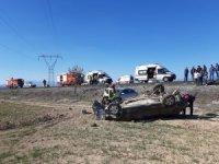 Denizli'de çarpışan iki otomobil şarampole yuvarlandı: 4 yaralı