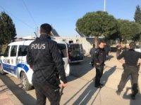 Taraftar sahaya bıçakla girdi iddiası