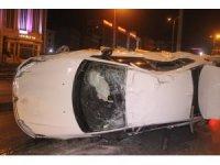 Beylikdüzü E-5'te otomobil takla attı: 1 yaralı