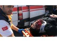 Motosiklet ticari araca çarptı: 1 yaralı