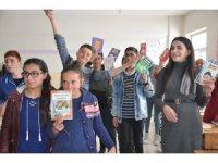 İstanbul'dan Yüksekova'ya kitap desteği