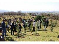 Gebze'de öğrenciler 2 bin 500 fidanı toprakla buluşturdu