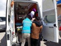 Oy kullanmaya ambulansla getirildi