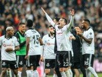 Beşiktaş lideri devirdi: 2-1