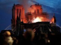 Notre-Dame Katedrali'nde büyük yangın