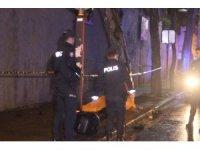 Motosiklet otomobilin altında 400 metre sürüklendi: 1 ölü 1 yaralı