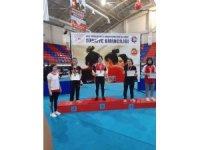 Rabia Yücel Bilek Güreşi'nde Türkiye İkincisi Oldu