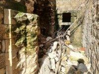 Mardin'de sağanak yağış nedeni ile yıkılan duvarların ardından tarih çıktı