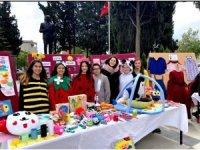 Öğrenciler okullarını sergi ile tanıttı
