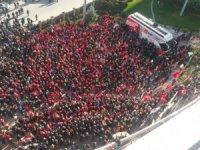 Halk CHP Genel Merkezi'ne akın etti