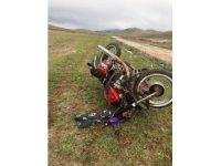 Devrilen motosikletin sürücüsü ağır yaralandı
