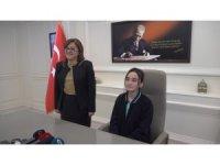 Fatma Şahin koltuğunu devretti