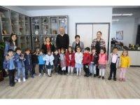 Miniklerden Başkan Tarhan'a 23 Nisan ziyareti