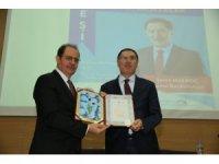 Geleneksel Dede Korkut 'Bilge Adam' ve 'Edebiyat' Ödülü düzenlenen törenle takdim edildi