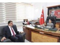 Başkan Gürkan koltuğunu Zeynep Neva'ya devretti
