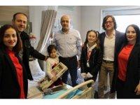 23 Nisanı  hastanede  kutladılar