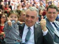 Başkan Esen, çocukların bayram coşkusunu paylaştı