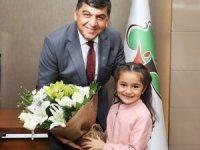 Başkan Fadıloğlu, koltuğunu Elif Su Geliş'e teslim etti