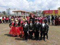 Silopi'de halaylı 23 Nisan kutlamaları