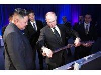 Putin, Kuzey Kore liderinin hediyesini 1 rubleye satın aldı