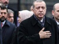 'AKP derin bir şekilde bölündü: Grubun başında Albayrak var'