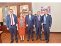 Milletvekillerinden Çetin'e övgü
