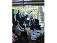 """Başkan Çatal, """"Devlet Bahçeli'ye Şehrül Eminlik anahtarını teslim etti"""""""