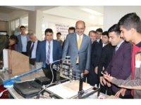 Kurtalan'da 4006 TÜBİTAK Bilim Fuarı açıldı