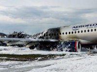 41 kişi hayatını kaybetti! Uçağa yıldırım çarptı