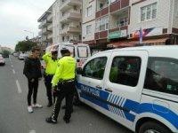 Yaya geçidinden geçen kadına elektrikli bisiklet çarptı