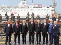 "Samsun'da 19 Mayıs kutlamasına damga vuran ""birlik pozu"""