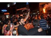 Malatya'da taraftar meydanlara indi