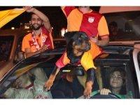 Bursa sokaklarında Galatasaray şampiyonluğu kutlandı