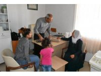 Doktor Başkandan ücretsiz poliklinik hizmeti