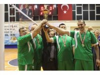 Kurumlar Arası Voleybol Turnuvası'nın şampiyonu Esnaf Spor oldu