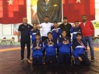 Yunusemreli güreşçiler Muğla'dan madalyalarla döndü