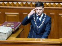 Yemin eder etmez parlamentoyu feshetti