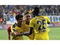 Spor Toto Süper Lig: MKE Ankaragücü: 2 - Sivasspor: 0 (İlk yarı)