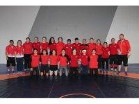 Genç Kadınlar Güreş Milli Takımı Yalova'da kampa-girdi