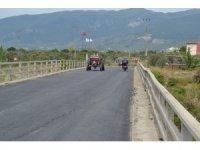 Edremit'te bir haftada 7 bin metrekare asfalt