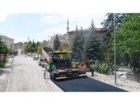 Lale Caddesinde sıcak asfalt dökümüne başlandı