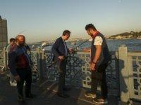 Bakan Kasapoğlu'nun İstanbul'da balık tutma keyfi