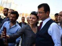 Ekrem İmamoğlu'na İstiklal Caddesi'nde sevgi seli