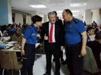Emniyet teşkilatı Engin Gönüllüler Korosu'nu iftarda ağırladı