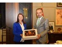 İlk Bağımsız Kadın Belediye Başkanı'ndan Bursa Büyükşehir Belediye Başkanı'na Ziyaret