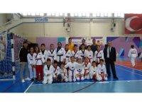 Bayraklı taekwondoda madalyaya doymuyor