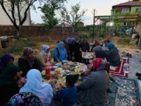AK Kadınlar'dan iftar programı