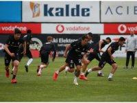 Beşiktaş'ın Kasımpaşa mesaisi sürüyor